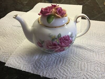 Royale Stratford Country Cottage Teapot Collection - Old Garden Roses