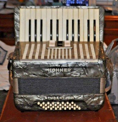 Vintage Hohner Studenti Ivm Piano Accordian Old Musical Instrument