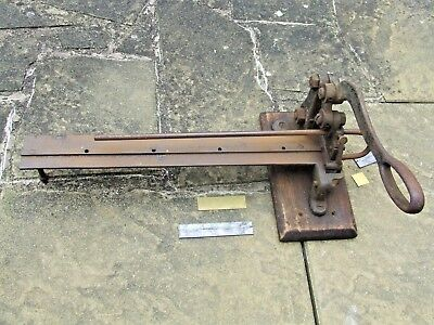Letterpress Printing Adana Large 18 inch Rusty Old LEAD & RULE CUTTER Cast Iron