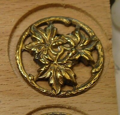"NICE 3/4"" Open Work Three Leaves  Brass Antique Button 698:23"