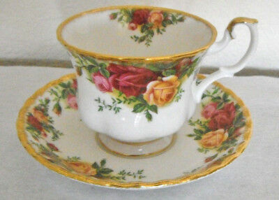 Dinnerware Footed Cup Saucer Old Country Roses Royal Albert 1962