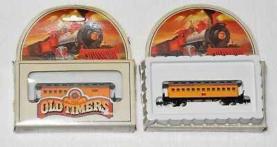 bachmann n gauge set of 2 carriages