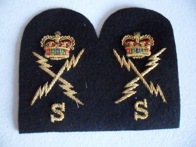 Royal Australian Navy TRADE BADGES x 2 (gold) - ELECTRONIC TECHNICAL SYSTEMS