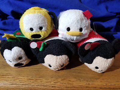 USA Tsum Tsum Mini – Fab 5 Christmas Set of 5 NWT Mickey, Minnie, Goofy, Donald