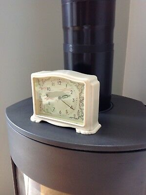 Smiths vintage mantle clock cream Bakelite mechanical mantle clock working