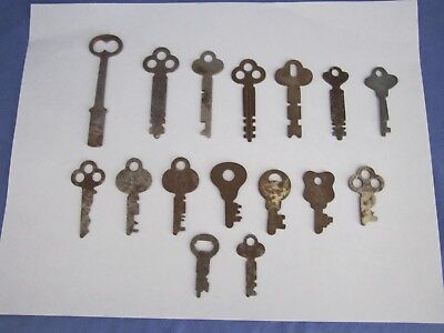Vintage Lot of 16 Assorted Flat Keys  Large Small Unusual Steam Punk
