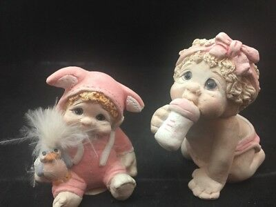 Dreamsicles Figurines 2 Babies In Pink Bunny Sleeper And Diaper Bottle 1995, 96