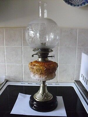 victorian/edwardian oil lamp in perfect working order.