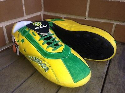 Comfortable Socceroos Slippers Size M 5-6 and XL 9-10 Sloffie