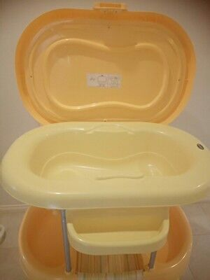 Brevi Portable Baby Change Table/Bath
