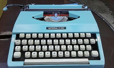Vintage Imperial 200 Blue Portable Typewriter in Carry Case