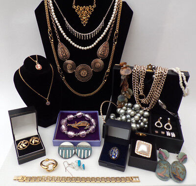 Job Lot Vintage Antique Jewellery Collection Necklaces Brooches 27 items