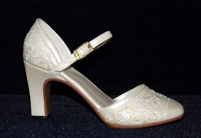 Just The Right Shoe, Mini Shower of Flowers Shoe, Raine 1999, Willitts, with Box