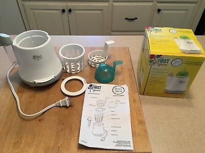 BABY BOTTLE WARMER!  BY THE FIRST YEARS used IN GREAT CONDITION!! Box included