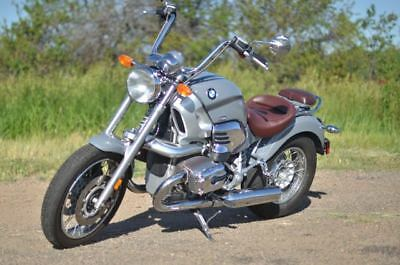 2002 BMW R-Series  2002 BMW R1200c with rare color combination