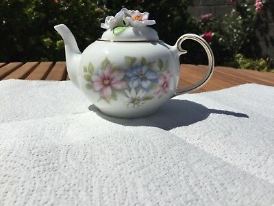 Royale Stratford Country Cottage Teapot Collection - Clematis