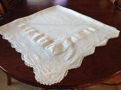 Vintage Cotton & Filet Crochet Edging With Butterfly's  Tablecloth