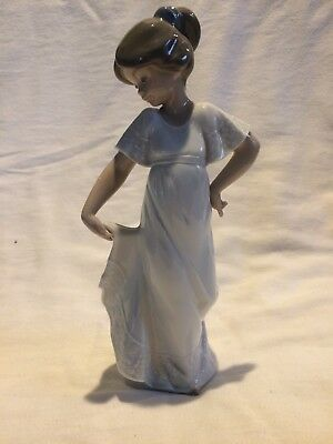"""Lladro by Nao Vintage Figurine – """"How Pretty!"""" #1110 - Girl In White Dress"""