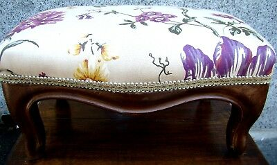 FOOTREST ANTIQUE WOOD AND UPHOLSTERED STOOL End '800 PIEDMONT floral