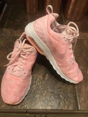 57df2c0caa Women's NIKE AIR MAX MOTION LW ENG RUNNING SHOES Pink Size 9.5 - Gently Used
