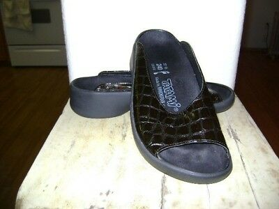 b0a76ff65d0c Birkenstocks Tatami Black Patent Leather Sandals size 37 Excellent Condition
