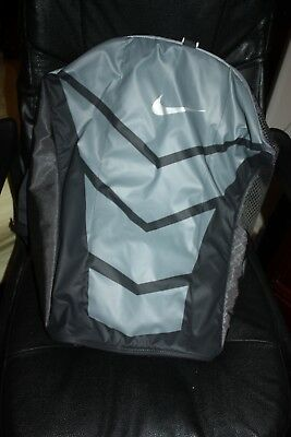 28ea6322d41a NIKE UNISEX ALPHA Adapt Cross Body Duffel Bag Size 21