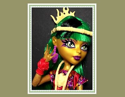 Monster High Doll JINAFIRE LONG Ghouls Getaway w/ Outfit, Shoes, Etc.