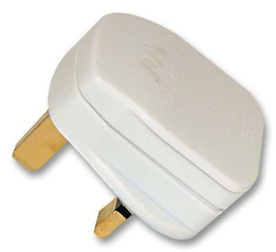 Mains Plug 5A Fused White - Pt135W