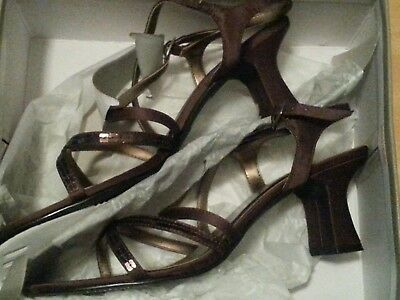 Woman's size 9.5 dress shoes brown new in box
