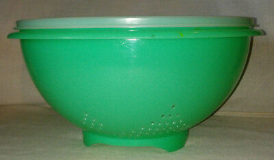 Vintage TUPPERWARE JADEITE colander strainer with lid Great Condition