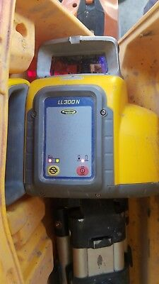Spectra Precision LL300 N Laser Level CST /  berger & Tripod  LL300N