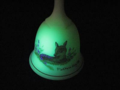 """Fenton 1981 Mother's Day Satin Custard Bell Signed by Carol S. 6"""" Painted Fawn"""