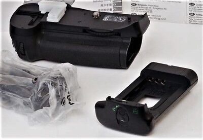 GENUINE NIKON MB-D10 BATTERY GRIP FOR NIKON D-300/D300s/D-700 NIKON-FAST SHIP