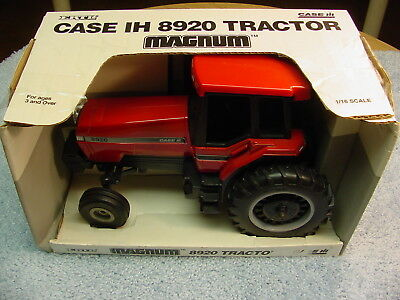 Ertl 1/16 Ih International Farmall 8920  Magnum Tractor