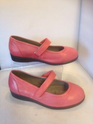 Ladies Shoes size 7.5 Daisy Mae Cosyfeet extra roomy Leather Red leather