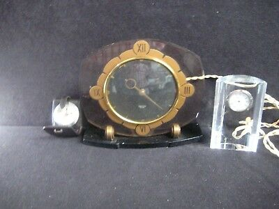 Group of three vintage time pieces, untested,for spares or repair. (B16)