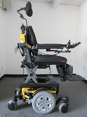 "Quantum Q6 Edge Wheelchair,power Tilt Recline ,legs 10"" Lift.(Permobil). 0 Miles"