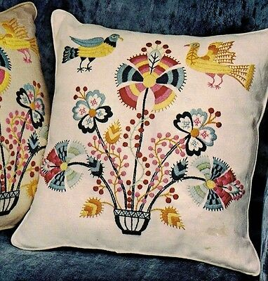 Vtg Paragon BIRDS AND FLOWERS Oyster Linen Crewel Embroidery Pillow Kit