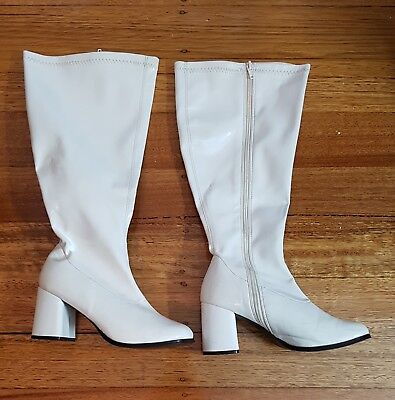 60s White Wide Calf Stetch Go Go Boots for Hippy & Princess Leia size 7 Shoes