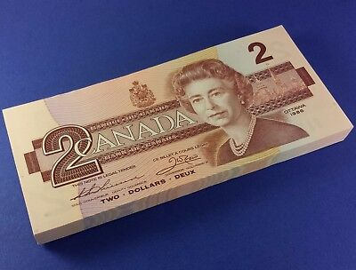 100 Canada 1986 2 Dollar Bank Notes UNC Consecutive S/N's EGG9921000 - 1099