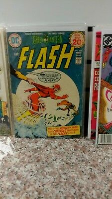 The Flash #187 (GIANT) 228, 268, 299 AND 29 FROM VOL 2 SEE PIC..LOT OF 5