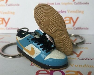 Dunk SB Low Homer Simpson Keychain WITH LACES Bearbrick UNDFTD Supreme Jedi