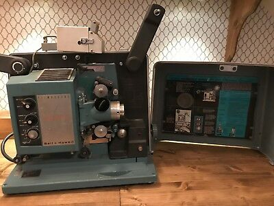 Vintage Bell & Howell Filmosound Specialist 16mm Film Movie Projector Model: 542