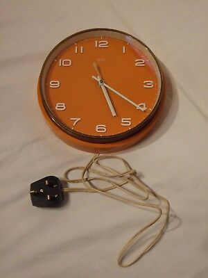 Vintage Retro 1970's METAMEC Electric Wall Clock / Made in England, Collectable
