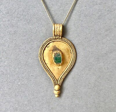 BEAUTIFUL Ancient Roman Solid Gold Drop Shaped Pendant Necklace With Green Glass