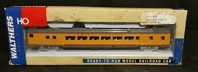 Walthers 85' Budd 52-Seat Coach Union Pacific 932-6394 Ho Scale New