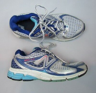 WOMEN'S SIZE 9 New Balance 860 v5 silverblue athletic