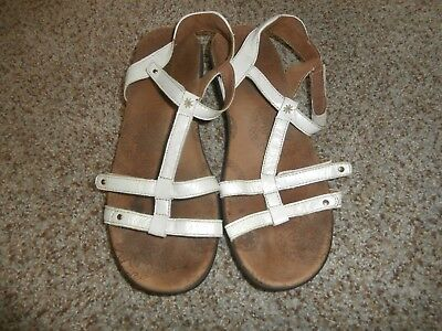 688eaa598dec TAOS TROPHY WHITE leather womens flats sandals size 10M -  19.99 ...