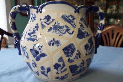 Large, Gorgeous,blue,chinese Porcelain/pottery Urn/vase Dc&c Or D&cc