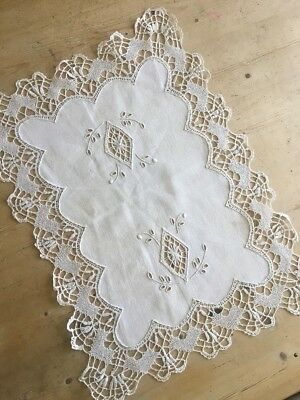 """Vintage Antique Victorian Cotton Tray Cloth - Lace - Embroidered - 21"""" By 15"""""""